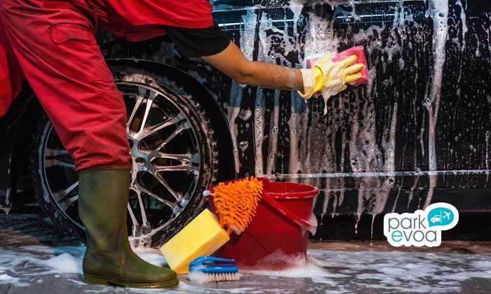 lavado a mano vehiculo