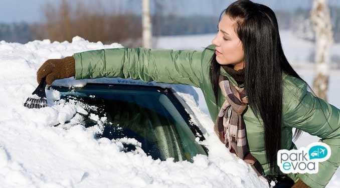 Como quitar el hielo del coche