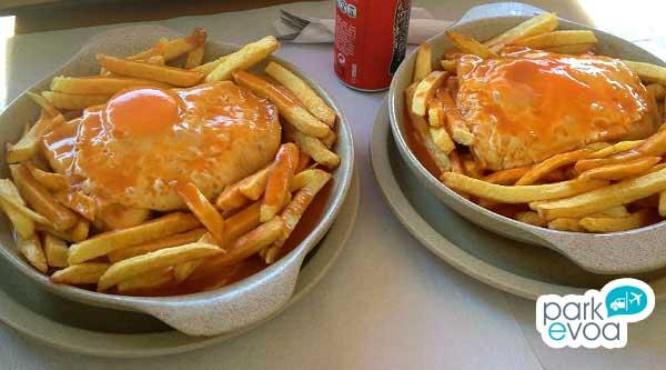 francesinha oporto comida tipica